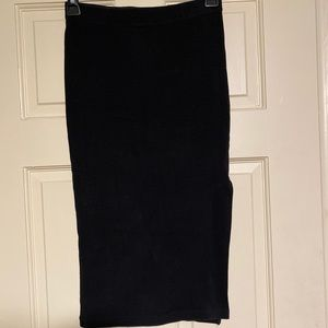 Black Forever 21 skirt with side slit